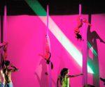 """2014.07.24 Teatro del IMSS, Guadalajara, Jalisco, Presentación de la coreografía """"Transformacion"""" de Rébecca Spinetti Foto: © Sergio Garibay"""